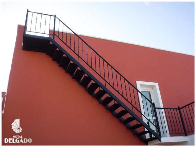 escalera-metalica-exterior