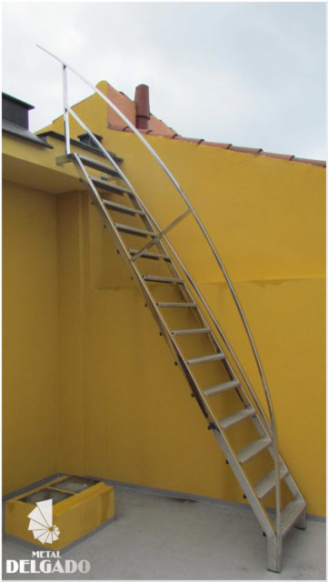 escalera-metalica-acero-inoxidable