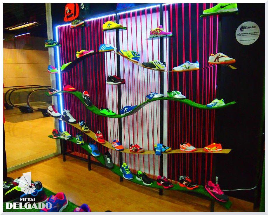 expositor de calzados para tienda de deporte
