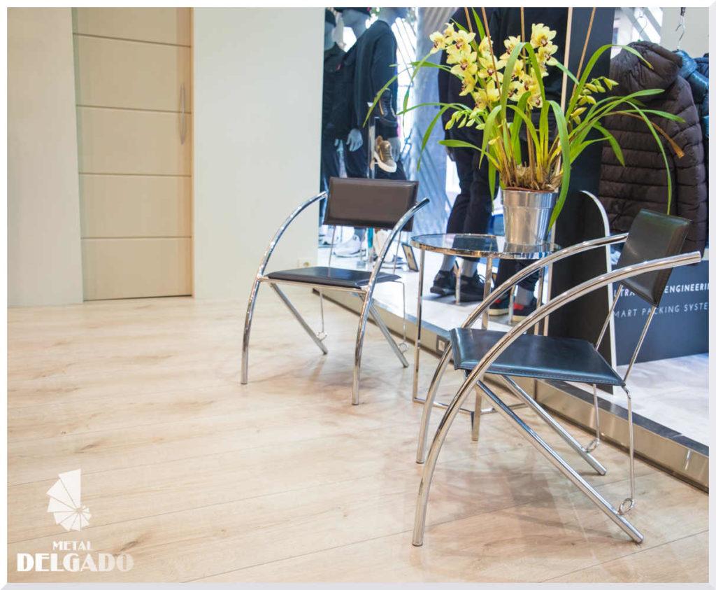 mesa-sillas-diseño-acero-inoxidable