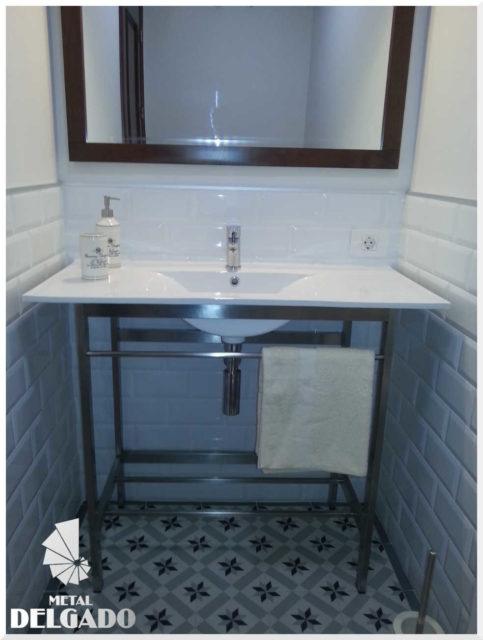 mueble-baño-acero-inoxidable